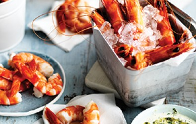 A-bucket-of-prawns-with-Texas-green-chilli-mayonnaise-300px
